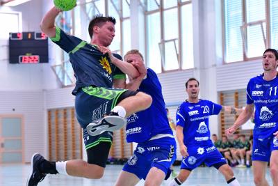 Der KTV Muotathal, hier mit Alex Suter am Ball, steigt als Titelverteidiger in den diesjährigen Raiffeisen-Cup und wird sicher alles geben, um die beiden Spiele zu gewinnen. (Bild: Andy Scherrer)