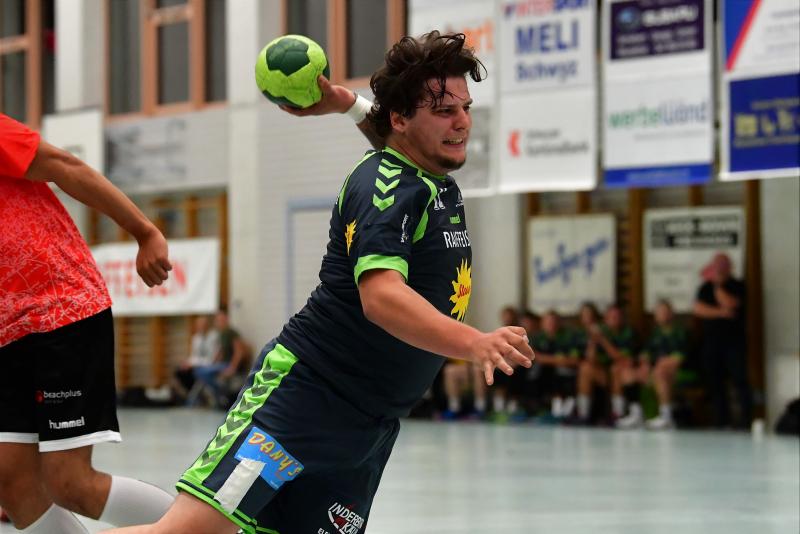 Gegen Handball Wohlen siegte der KTV (hier mit Nick Imhof am Ball) 24:26 und holte zwei wichtige Punkte. (Bild: Andy Scherrer)