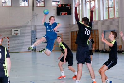 Die SG zeigt konstant gute Leistungen und ist weiterhin ungeschlagen, hier mit Matteo Schelbert am Ball. (Bild: Esther Heinzer)