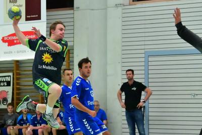 Die Muotathaler, hier mit Matteo Schelbert am Ball, freuen sich auf das Derby gegen Kriens und wollen die beiden Punkte in der heimischen Halle behalten. (Bild: Andy Scherrer)